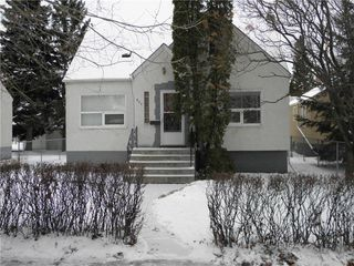 Photo 1: 366 Dubuc Street in Winnipeg: Norwood Residential for sale (2B)  : MLS®# 202028448