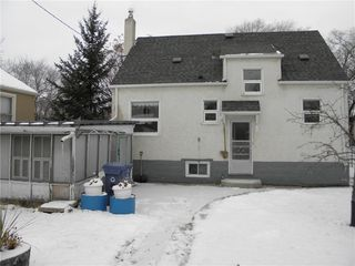 Photo 2: 366 Dubuc Street in Winnipeg: Norwood Residential for sale (2B)  : MLS®# 202028448