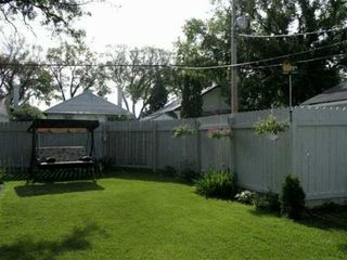 Photo 2: 386 CENTENNIAL Street in WINNIPEG: River Heights / Tuxedo / Linden Woods Single Family Detached for sale (South Winnipeg)  : MLS®# 2706861