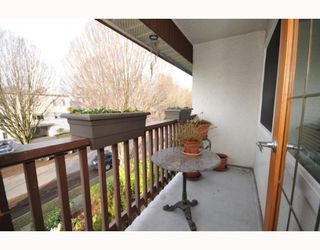Photo 5: 304 8680 FREMLIN ST in Vancouver: Marpole Condo for sale (Vancouver West)  : MLS®# V803112