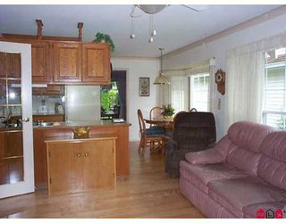 """Photo 5: 25 9733 148A Street in Surrey: Guildford Townhouse for sale in """"Chelsea Gate"""" (North Surrey)  : MLS®# F2714845"""