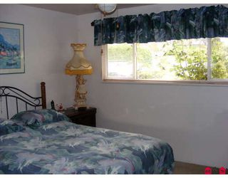 """Photo 6: 15087 RAVEN Place in Surrey: Bolivar Heights House for sale in """"Birdland"""" (North Surrey)  : MLS®# F2814883"""