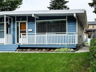 Photo 1: 3809 43 Street SW in Calgary: Glenbrook Semi Detached for sale : MLS®# C4303699