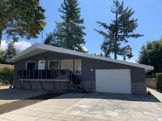 Photo 1: 36116 SHORE Road in Mission: Dewdney Deroche House for sale : MLS®# R2489762