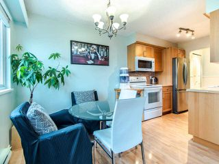 "Photo 3: 305 45 FOURTH Street in New Westminster: Downtown NW Condo for sale in ""DORCHESTER"" : MLS®# R2515848"