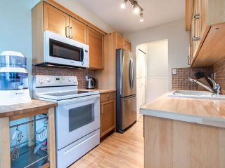 """Photo 12: 305 45 FOURTH Street in New Westminster: Downtown NW Condo for sale in """"DORCHESTER"""" : MLS®# R2515848"""