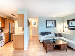 """Photo 8: 305 45 FOURTH Street in New Westminster: Downtown NW Condo for sale in """"DORCHESTER"""" : MLS®# R2515848"""