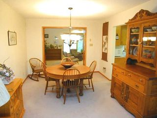 Photo 3: 49 Athabasca Cres. in Saskatoon: Single Family Dwelling for sale
