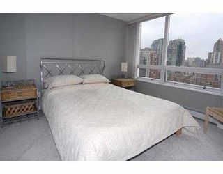 """Photo 8: 1602 1201 MARINASIDE Crescent in Vancouver: False Creek North Condo for sale in """"PENINSULA"""" (Vancouver West)  : MLS®# V654400"""