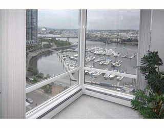"""Photo 4: 1602 1201 MARINASIDE Crescent in Vancouver: False Creek North Condo for sale in """"PENINSULA"""" (Vancouver West)  : MLS®# V654400"""