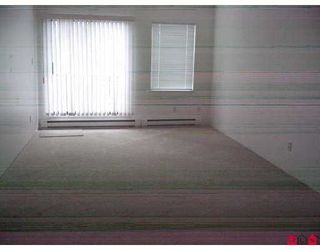 "Photo 4: 303 20454 53RD AV in Langley: Langley City Condo for sale in ""Rivers Edge"" : MLS®# F2621532"