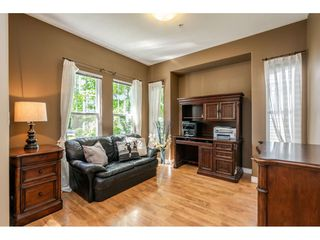 "Photo 2: 19584 SHINGLEBOLT Crescent in Pitt Meadows: South Meadows House for sale in ""SAWYER'S LANDING"" : MLS®# R2397927"