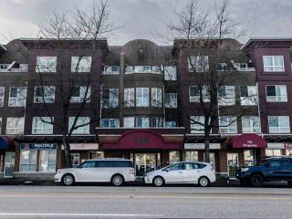 "Main Photo: 323 760 KINGSWAY in Vancouver: Fraser VE Condo for sale in ""KINGSGATE MANOR"" (Vancouver East)  : MLS®# R2455426"
