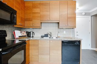 Photo 7: 32 10525 83 Avenue in Edmonton: Zone 15 Condo for sale : MLS®# E4198214