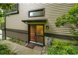 "Photo 3: 899 HERITAGE Boulevard in North Vancouver: Seymour NV Townhouse for sale in ""Heritage in the Woods"" : MLS®# R2472635"