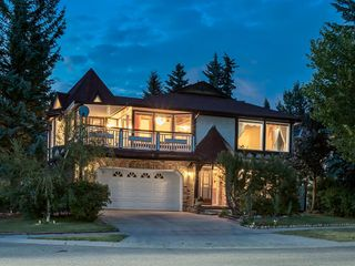 Main Photo: 384 STRATHCONA Drive SW in Calgary: Strathcona Park Detached for sale : MLS®# A1026047