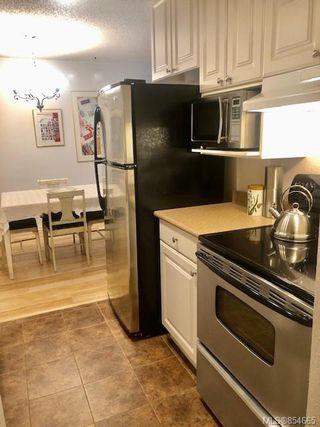 Photo 33: 120 3225 Eldon Pl in : SW Rudd Park Condo for sale (Saanich West)  : MLS®# 854665