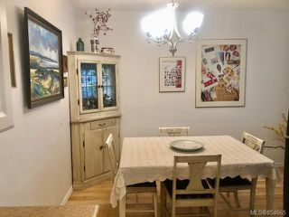 Photo 8: 120 3225 Eldon Pl in : SW Rudd Park Condo for sale (Saanich West)  : MLS®# 854665
