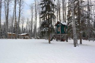 """Photo 31: 1860 SPRUCE Street: Telkwa House for sale in """"Woodland Park Area"""" (Smithers And Area (Zone 54))  : MLS®# R2524139"""