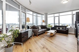 """Photo 2: 1801 898 CARNARVON Street in New Westminster: Downtown NW Condo for sale in """"AZURE"""" : MLS®# R2525774"""
