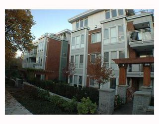 Photo 1: 304 2626 ALBERTA Street in Vancouver: Mount Pleasant VW Condo for sale (Vancouver West)  : MLS®# V795175