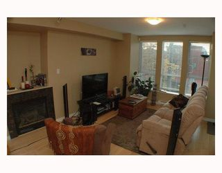 Photo 2: 304 2626 ALBERTA Street in Vancouver: Mount Pleasant VW Condo for sale (Vancouver West)  : MLS®# V795175