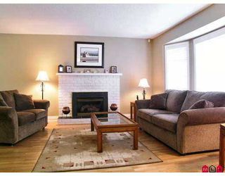 """Photo 3: 3703 BURNSIDE Drive in Abbotsford: Abbotsford East House for sale in """"Sandy Hill"""" : MLS®# F2708530"""