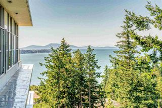 """Main Photo: 1104 1501 VIDAL Street: White Rock Condo for sale in """"THE BEVERLEY"""" (South Surrey White Rock)  : MLS®# R2391364"""