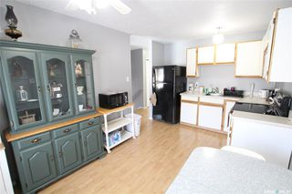 Photo 4: 238 Douglas Crescent in Saskatoon: Confederation Park Residential for sale : MLS®# SK797736