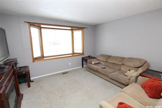 Photo 2: 238 Douglas Crescent in Saskatoon: Confederation Park Residential for sale : MLS®# SK797736
