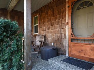 Photo 3: 3699 Burns Rd in COURTENAY: CV Courtenay West House for sale (Comox Valley)  : MLS®# 834832