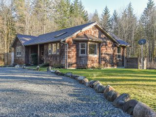 Photo 1: 3699 Burns Rd in COURTENAY: CV Courtenay West House for sale (Comox Valley)  : MLS®# 834832