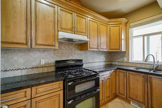 """Photo 7: 19686 71B Avenue in Langley: Willoughby Heights House for sale in """"Routley"""" : MLS®# R2446476"""