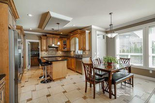 """Photo 6: 19686 71B Avenue in Langley: Willoughby Heights House for sale in """"Routley"""" : MLS®# R2446476"""
