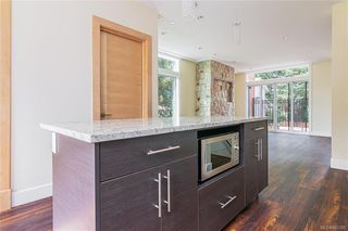 Photo 6: 404 2130 Sooke Rd in Colwood: Co Hatley Park Row/Townhouse for sale : MLS®# 842390