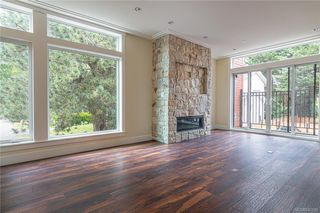 Photo 2: 404 2130 Sooke Rd in Colwood: Co Hatley Park Row/Townhouse for sale : MLS®# 842390