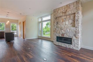 Photo 4: 404 2130 Sooke Rd in Colwood: Co Hatley Park Row/Townhouse for sale : MLS®# 842390