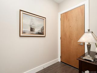 Photo 2: 405 747 Travino Lane in : SW Royal Oak Condo Apartment for sale (Saanich West)  : MLS®# 853899