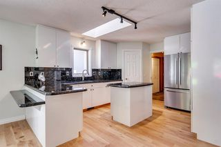 Photo 23: 222 SIGNATURE Way SW in Calgary: Signal Hill Detached for sale : MLS®# A1049165