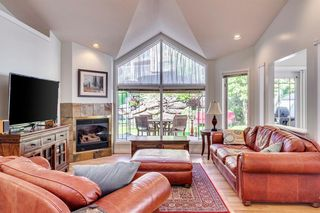 Photo 11: 222 SIGNATURE Way SW in Calgary: Signal Hill Detached for sale : MLS®# A1049165