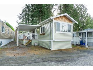 "Photo 3: 14 24330 FRASER Highway in Langley: Otter District Manufactured Home for sale in ""Langley Grove Estates"" : MLS®# R2518685"