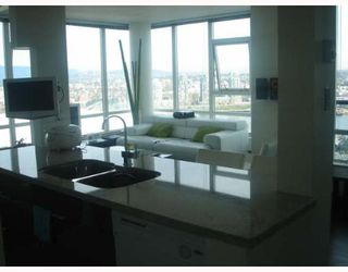 "Photo 1: 3503 928 BEATTY Street in Vancouver: Downtown VW Condo for sale in ""THE MAX"" (Vancouver West)  : MLS®# V641759"