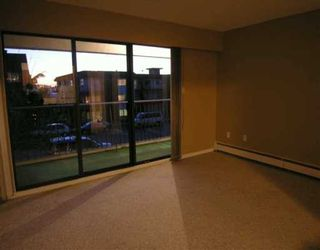 "Photo 3: 113 330 E 1ST ST in North Vancouver: Lower Lonsdale Condo for sale in ""Portree House"" : MLS®# V575481"
