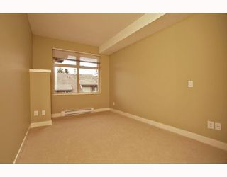 """Photo 8: 305 188 W 29TH Street in North_Vancouver: Upper Lonsdale Condo for sale in """"VISTA 29"""" (North Vancouver)  : MLS®# V670745"""