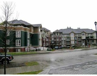 "Photo 1: 410 14 E ROYAL Avenue in New_Westminster: Fraserview NW Condo for sale in ""VICTORIA HILL"" (New Westminster)  : MLS®# V681021"