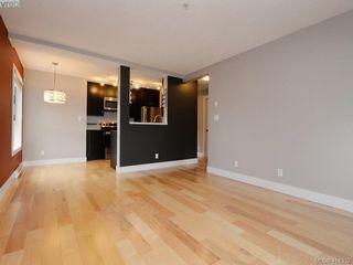 Photo 4: 203 2515 Dowler Pl in VICTORIA: Vi Hillside Condo Apartment for sale (Victoria)  : MLS®# 821831