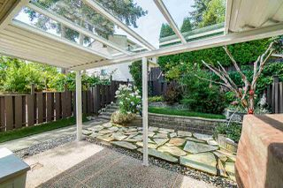 """Photo 5: 69 8555 KING GEORGE Boulevard in Surrey: Queen Mary Park Surrey Townhouse for sale in """"BEAR CREEK VILLAGE"""" : MLS®# R2397033"""