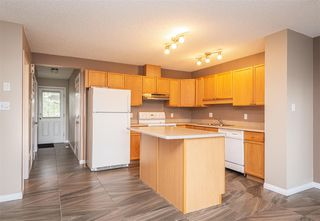 Photo 3: 1126 Barnes Way in Edmonton: Zone 55 House Half Duplex for sale : MLS®# E4173424