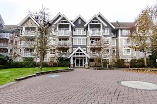 "Main Photo: 206 20750 DUNCAN Way in Langley: Langley City Condo for sale in ""Fairfield Lane"" : MLS®# R2424355"