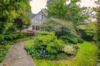 Photo 2: 6188 CEDARHURST Street in Vancouver: Kerrisdale House for sale (Vancouver West)  : MLS®# R2498264